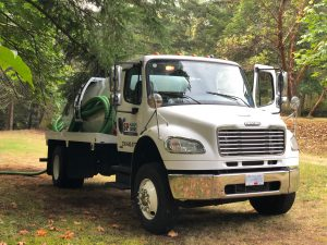 septic pump out truck